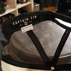9e76305a0 Captain Fin Co Snap Back Trucker Hat